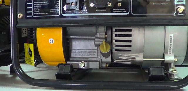 Бензиновая электростанция Firman SPG 1500 фото 6