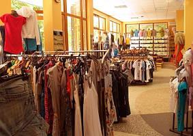 Торговое оборудование - вид в целом.Оформление торговых залов.