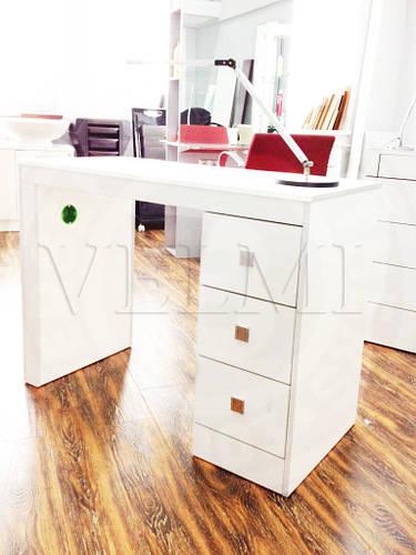 Маникюрный стол VM 112