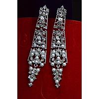 Серьги длинные, маленькие жемчужины, серебристый металл, английская застежка 001480