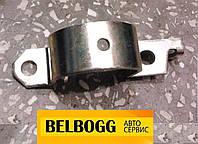 Скоба (кронштейн) крепления рулевой рейки левая Chery Tiggo, Чери Тигго, Тиго, Чері Тіго