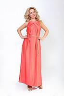 Платье с украшением на горловине в виде сборок