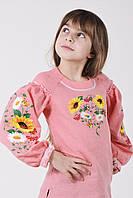 Нежно-розовая вышитая блуза для девочки из льна