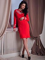 Стильное платье из трикотажа лакоста декорировано нежной вышивкой на груди и рукавах