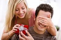 Кальян – супер подарок мужчине на день рождение и любой другой праздник.