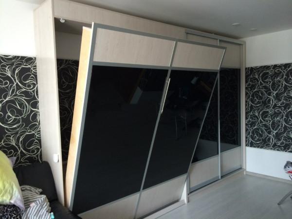 Шкаф-кровать вертикальная с комбинированным фасадом, фото 1