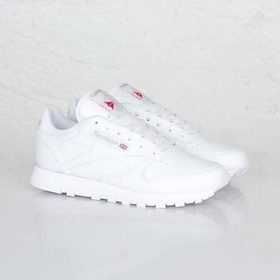 Женские кроссовки Reebok Classic белые
