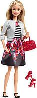 Кукла Барби Стиль в белом пиджаке, шарнирная, Barbie Style Doll, White Jacket & Black Floral Print Skirt.