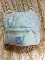 Велюровая шапочка с ушками и рисунком мишек