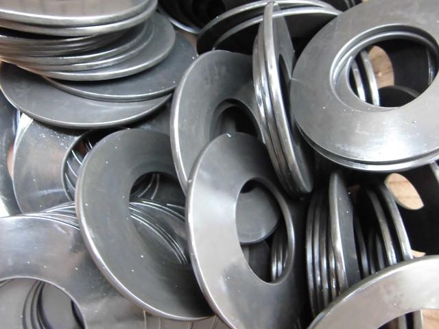 Шайбы тарельчатые  DIN 2093 | Фотографии принадлежат предприятию Крепсила