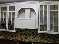 Кухня классическая с крашеными фасадами, фото 1