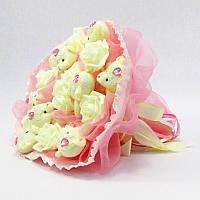 Букет из игрушек Мишки 9 с кремовыми розами