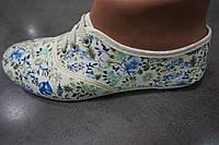 Женские цветочные мокасины из ткани (белый цвет)