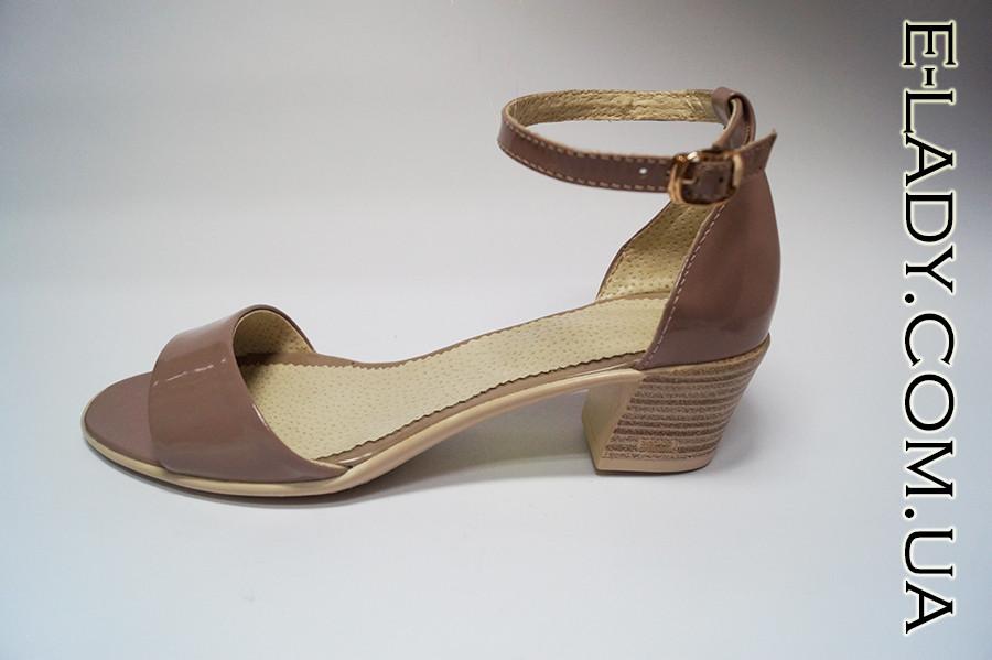 5e85d85e Босоножки лаковые бежевые натуральная кожа на маленьком каблуке и закрытой  пяткой, цена 550 грн., купить в Николаеве — Prom.ua (ID#280873244)