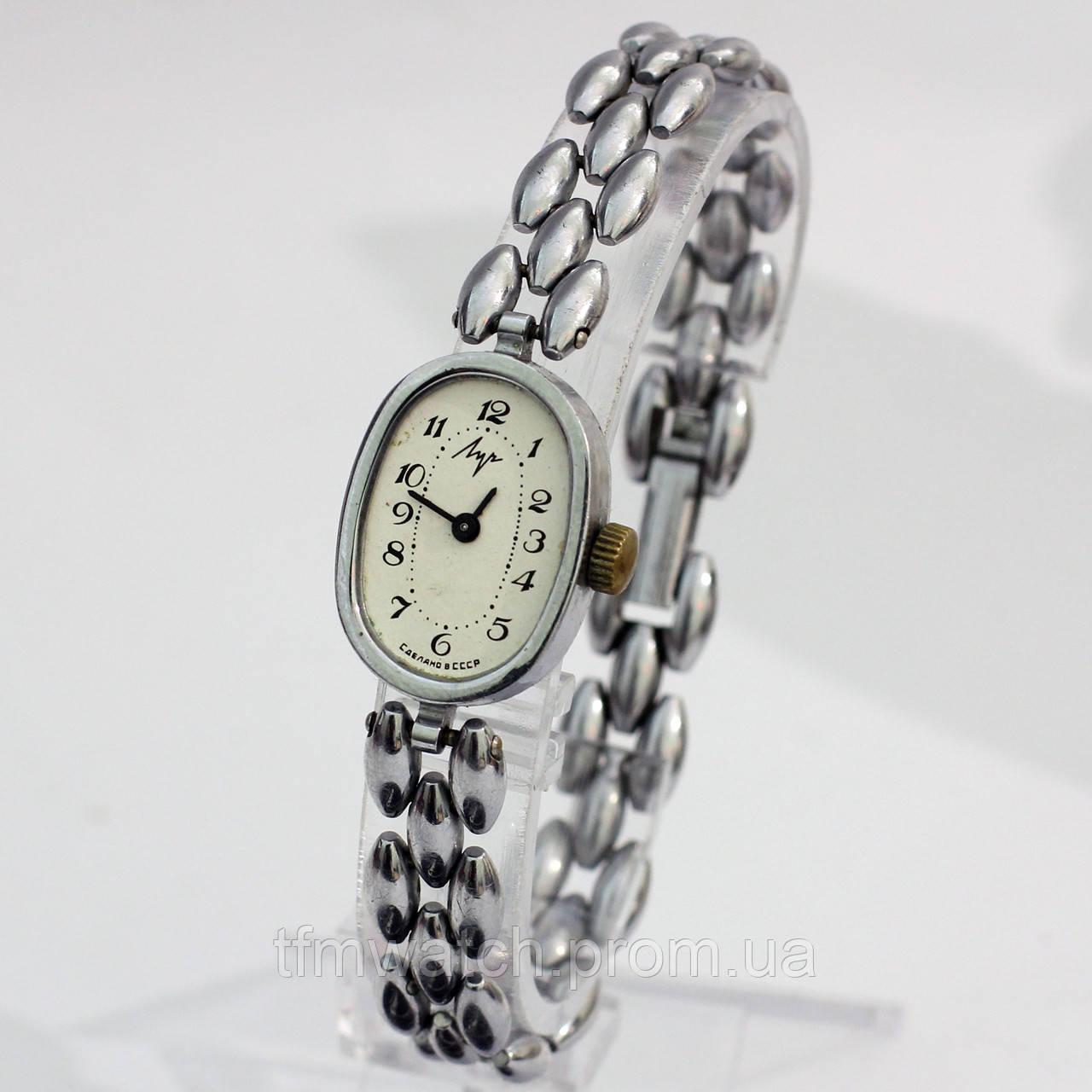 Советские часы на браслете Луч женские