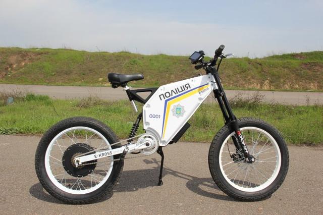 Тест драйв прототипу поліцейського електровелосипеда з мотор колесом 3 кВт