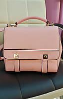 Маленькая стильная сумочка.