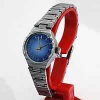 Луч женские часы на металлическом браслете
