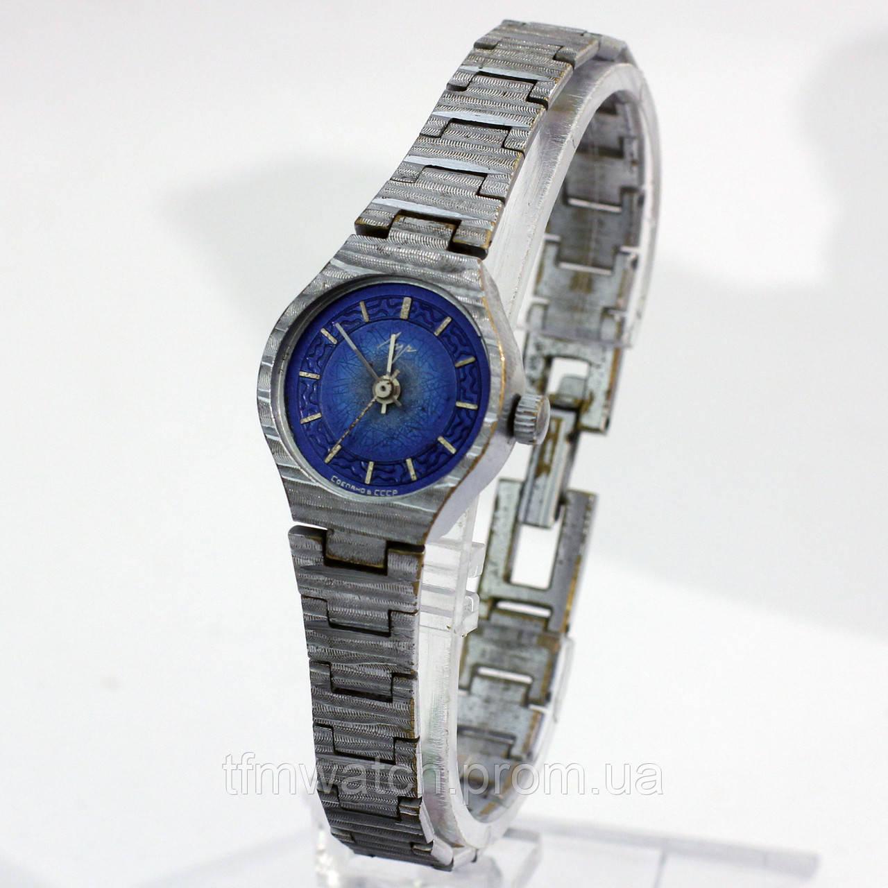 Женские часы Луч сделано в СССР