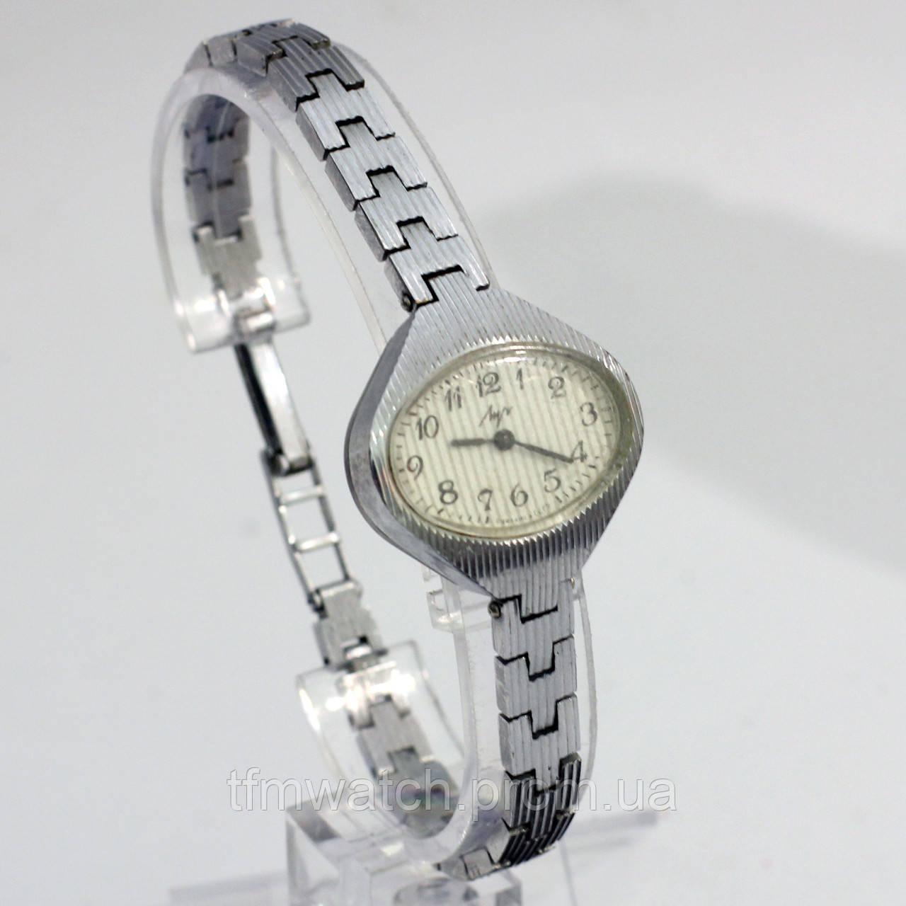 Женские советские часы Луч