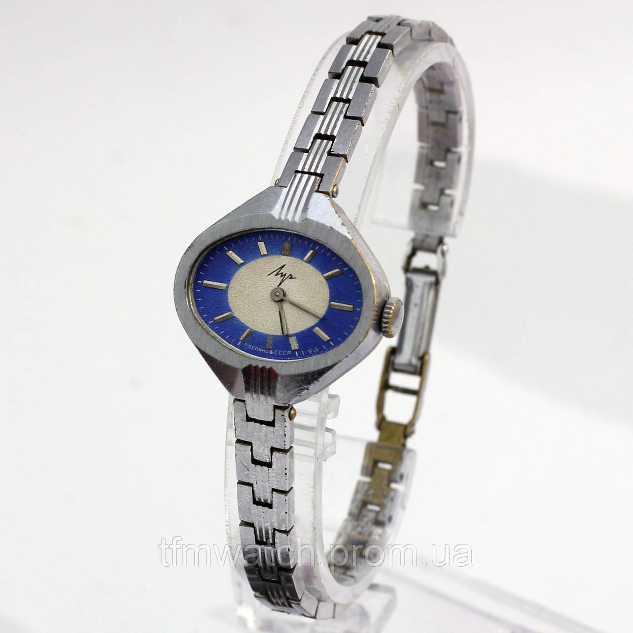 Наручные женские часы Луч