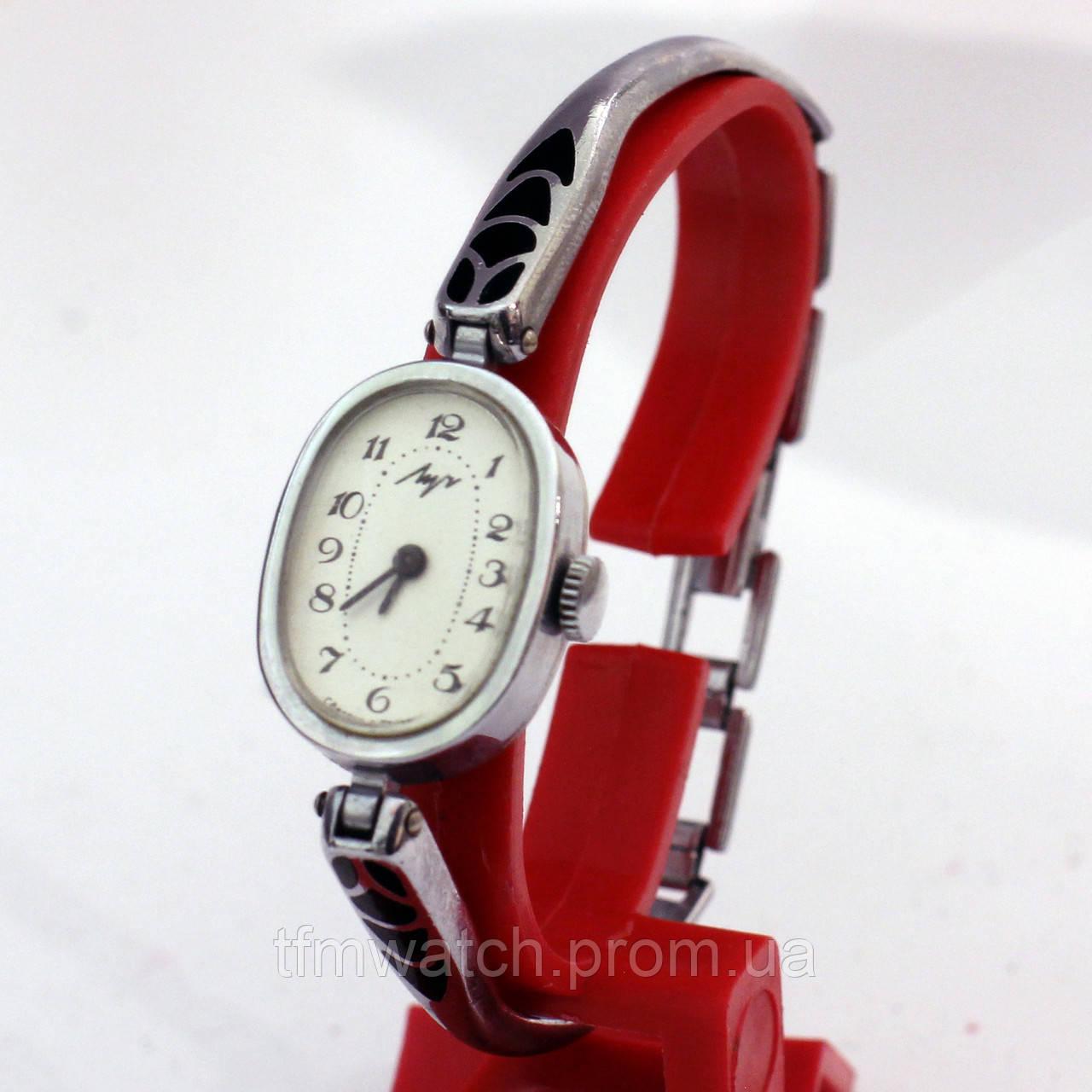 Белорусские женские часы Луч металлический браслет