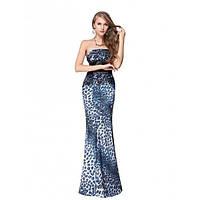 Вечернее платье синего цвета с леопардовым принтом