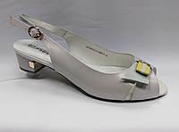 Босоножки  на низком каблуке  Erisses. Большие размеры.