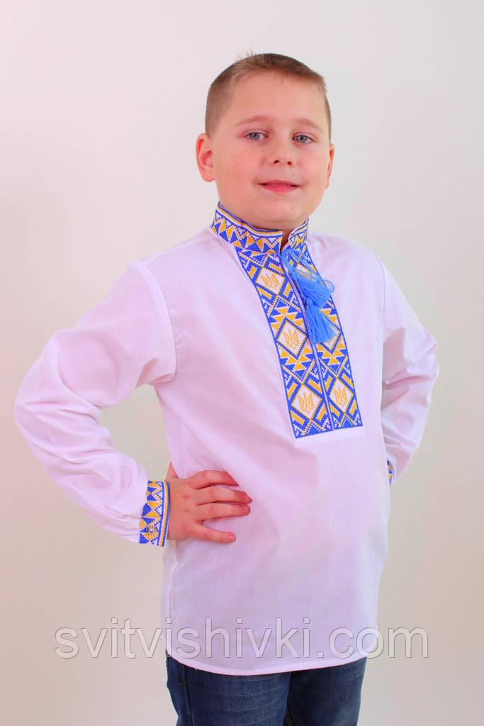 Вишита сорочка хрестиком на білому батісті з українською символікою