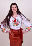 Женская вышитая блуза гладью на белом батисте с цветочным узором