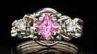 Обручальное кольцо с розовым Сапфиром и Бриллиантами от Wicker Ring