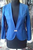 Пиджак с оригинальной застежкой