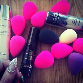 Спонж для нанесення макіяжу Beauty Blender каплевидної форми