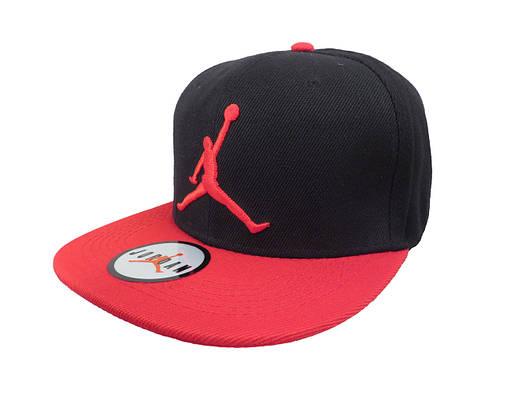 Черная кепка Jordan с красным логотипом (реплика)