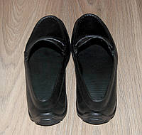 Черные мужские туфли из пены.  43