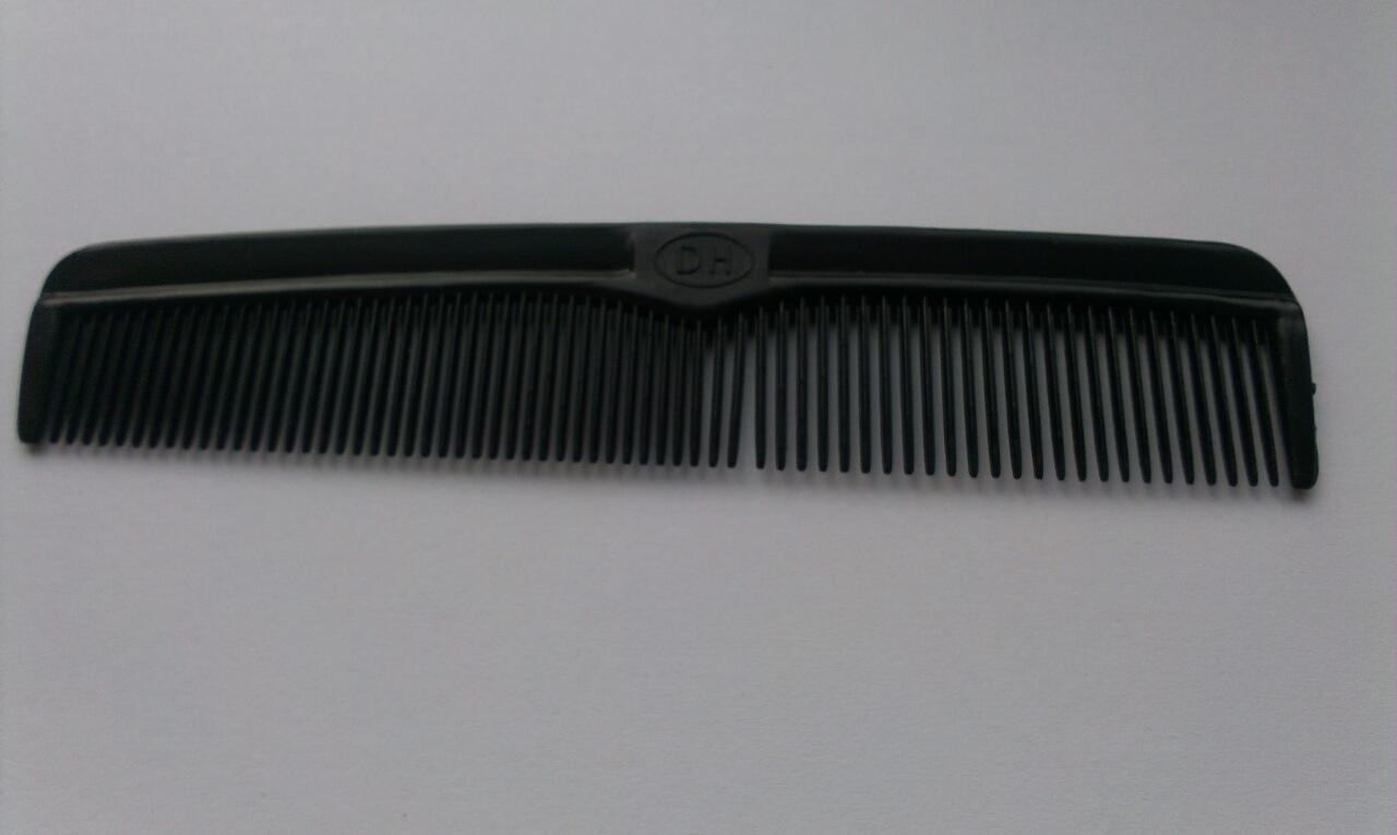Расческа карманная мужская пластмассовая DH (125 мм)
