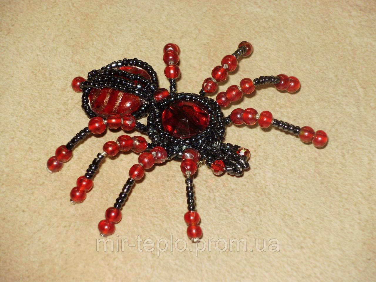 Брошь паук из биссера и камней ручной работы