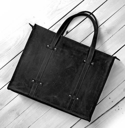 Сдержанная женская сумка из натуральной кожи GBAGS B013 черный