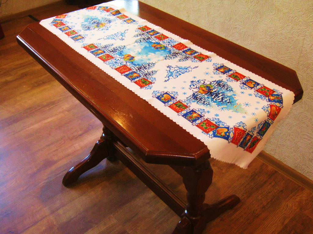 Скатерть на стол праздничная дорожка