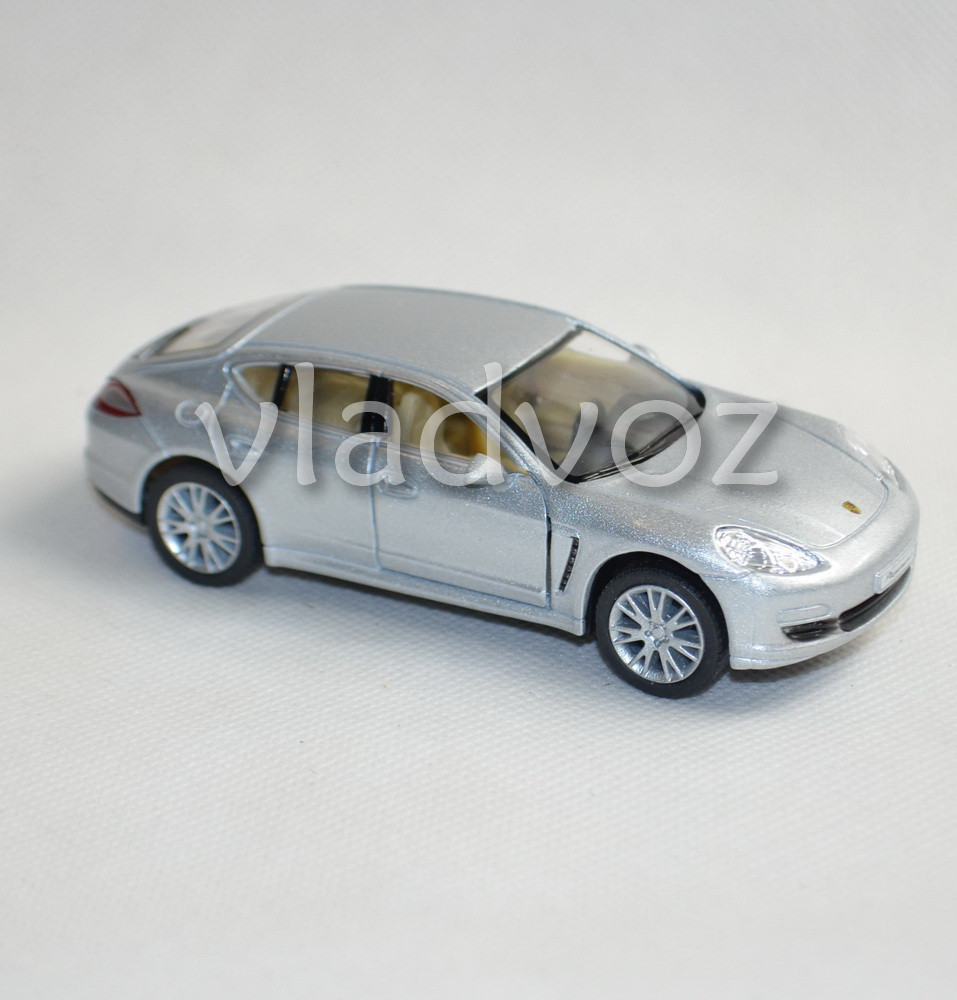 Машинка модель из металла Porshe Panamera серого цвета