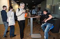 Как выбрать эргономичный стол для работы стоя и сидя регулируемый по высоте электроприводом?