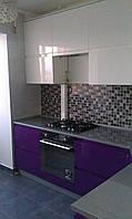 Кухня поворотна з фарбованими МДФ фасадами, фото 1