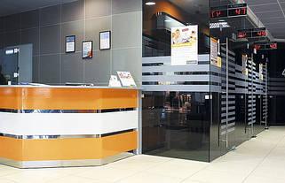 Стеклянные перегородки для офисов и торговых центров