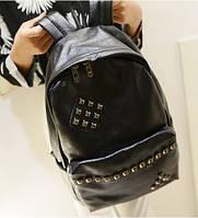 Городской рюкзак с заклепками