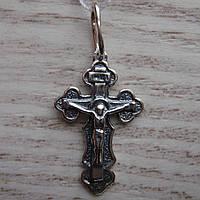 Миниатюрный серебряный крестик с распятием