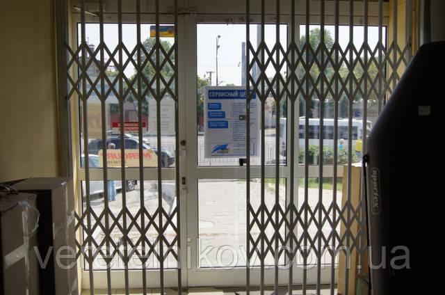 Раздвижные решетки (на окна и двери)