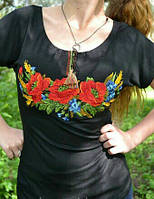 """Женская футболка-вышиванка черного цвета """"Маки"""""""