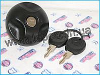 Крышка бака с ключами на Renault Master II  Польша MG046