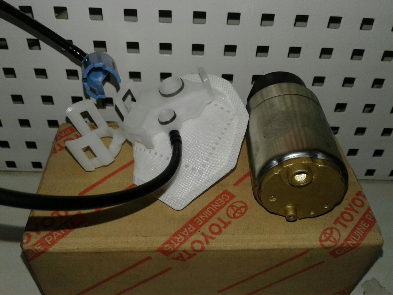 Паливний насос TOYOTA Camry 40 2,4 Lexus ES240 (23220-28360)