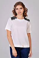 Модная блуза со вставками гипюра